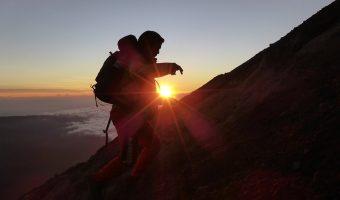 Waktu Terbaik dan Terburuk Untuk Traveling ke Gunung